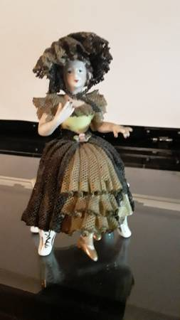Sitting porcelain doll,Made in occupied Japan